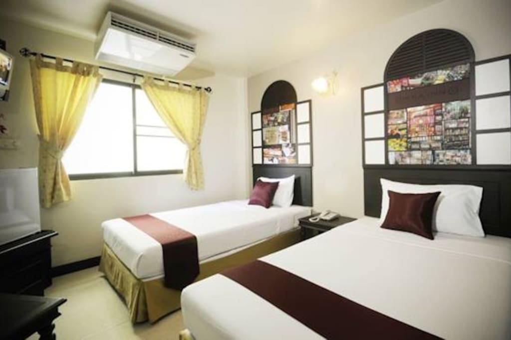 18 sq.m. room with two separate single beds with complete facility and unique decoration.Features of this room include air conditioner, free WiFi Internet, laptop-size safety box, fridge, bathroom amenities, sattelite TV, working desk, hair dryer.
