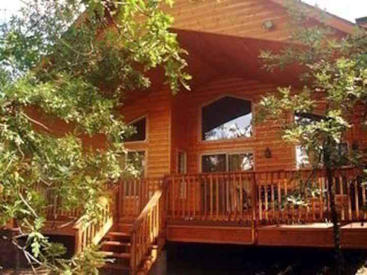 WOW!!  The Perfect Cabin in Pinetop CC (Wanda)