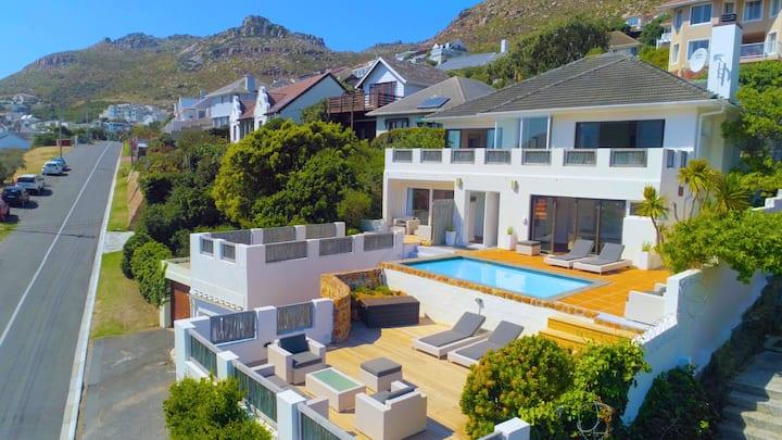 Cape Town Villa with fantastic False Bay views