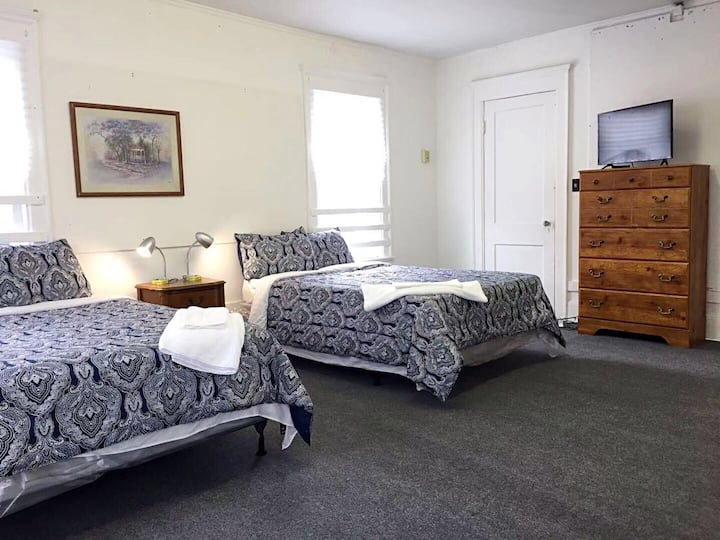 The mansion room 5 (Spacious)