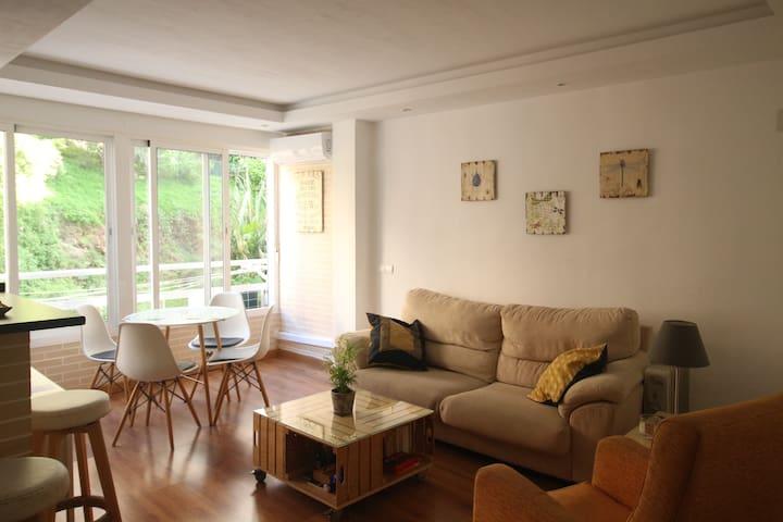 Room in eco-modern flat close to Plaza Merced