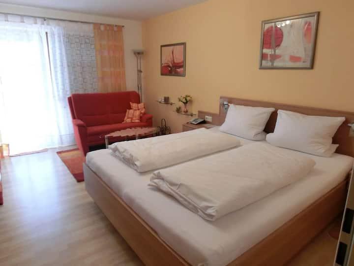 Appartementhaus Margarita (Bad Füssing), Einzimmer-Appartement (30 qm) mit Südterrasse