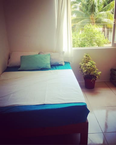 Room #23 for 4 pax with pool, close to the beach. - Puerto Escondido - Appartement en résidence