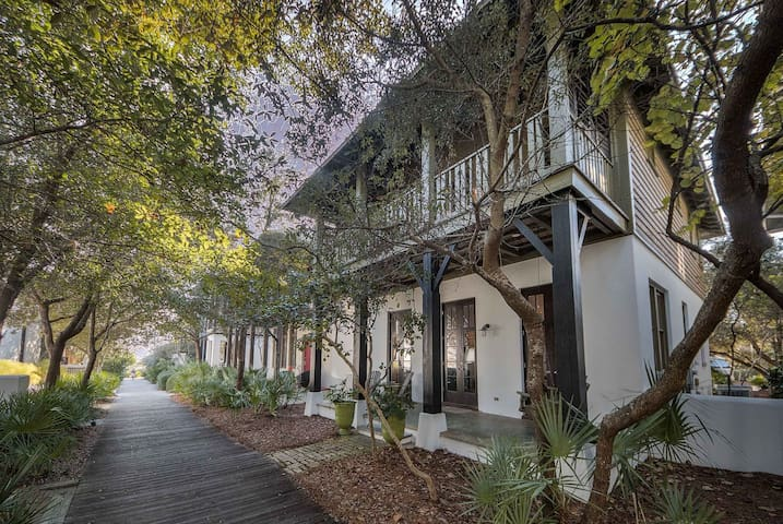 `Sandy Haven` South Side 30A Vacation Rental House in Rosemary Beach + FREE BIKES!
