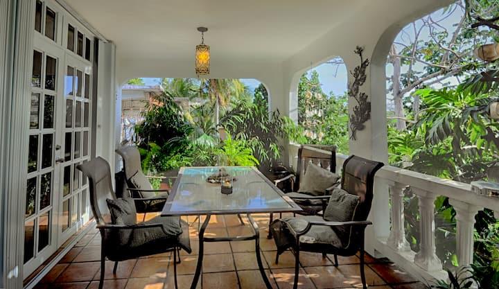 Casa Mama Playa
