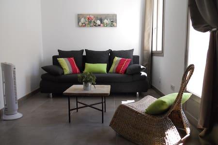 Anisette :Appartement lumineux coeur de village - Coursan