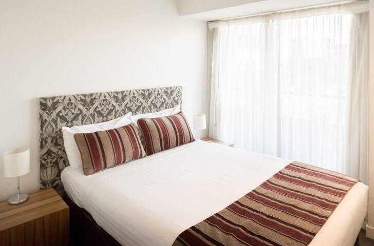 Cosy One Bedroom on St Kilda Road