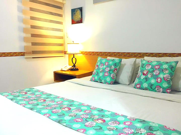 1 QUEEN BED WITH AC @PASTEUR (B)