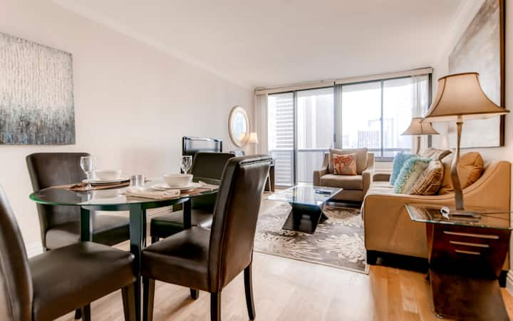 Times Square top notch 1 bed apt with gym & pool