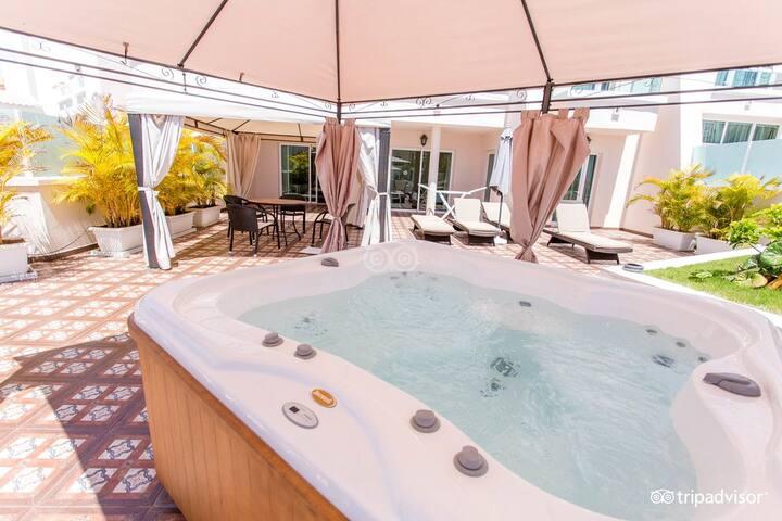 Suite superior de 2 dormitorios con jacuzzi priv