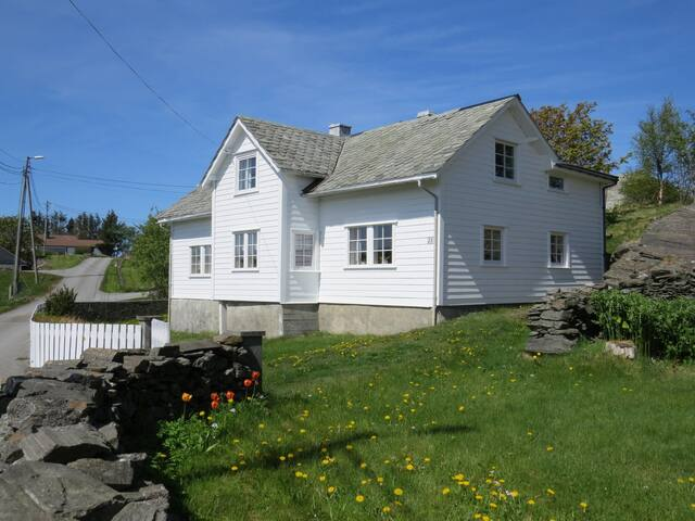 Storegarden - Glesvær - Casa