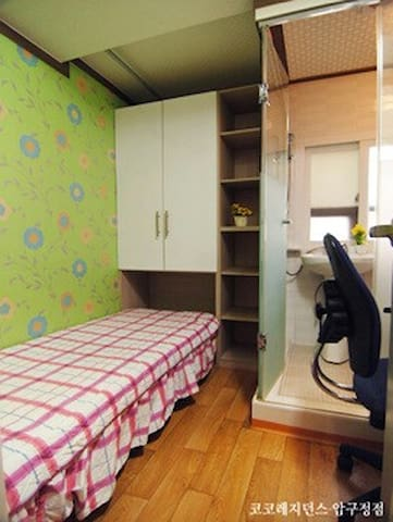 Sinsa&Apgujeong Cozy Room(private Toilet&shower)2