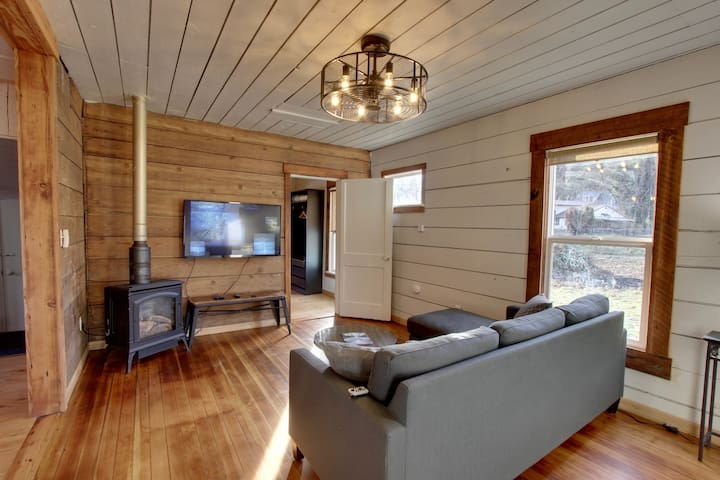 White Salmon Surf Shack