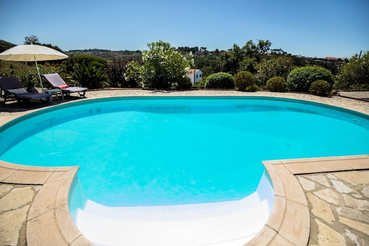 Villa with 4 bedrooms in Mafra, with wonderful mountain view, private pool, enclosed garden - 5 km from the beach