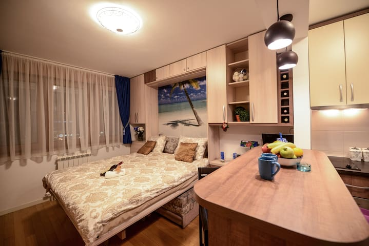 A blok Studio Apartment - Belgrad