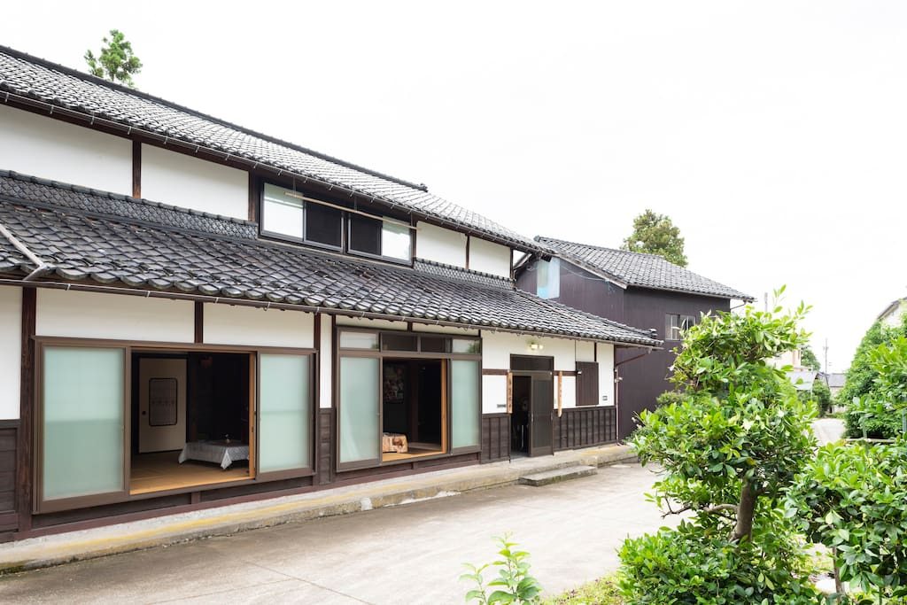 The house was originally built in 1871 during Meiji era (147-year-old!)