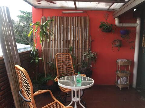 Departamento 3 ambientes con patio parrillero