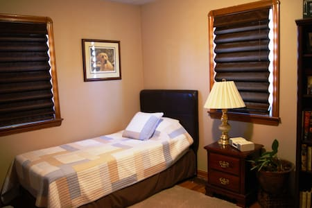 C-Suite-Cozy Comfortable Convenient - Parma