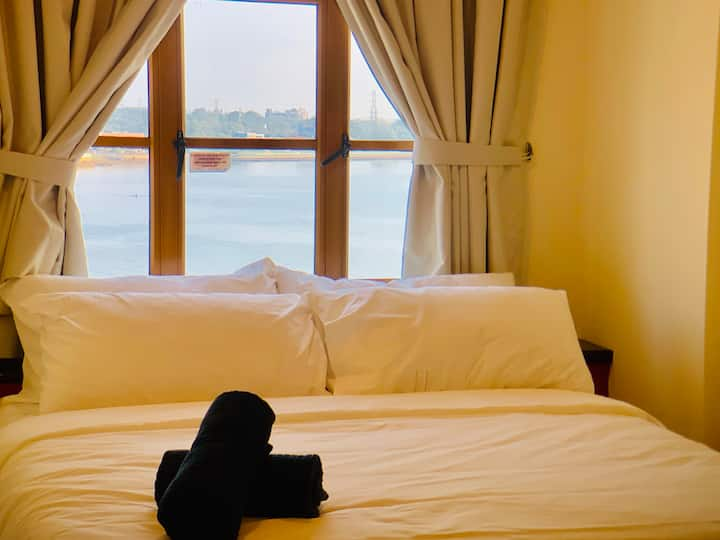 Lexis Port Dickson Suite 8 - Seaview (Up to 5 Pax)