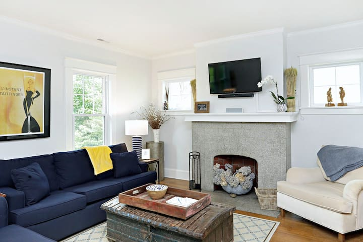 2br / Heart of Chevy Chase Historical District