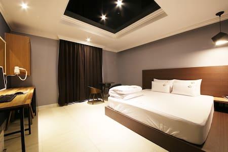 해피더블룸 - Sasang-gu - Bed & Breakfast