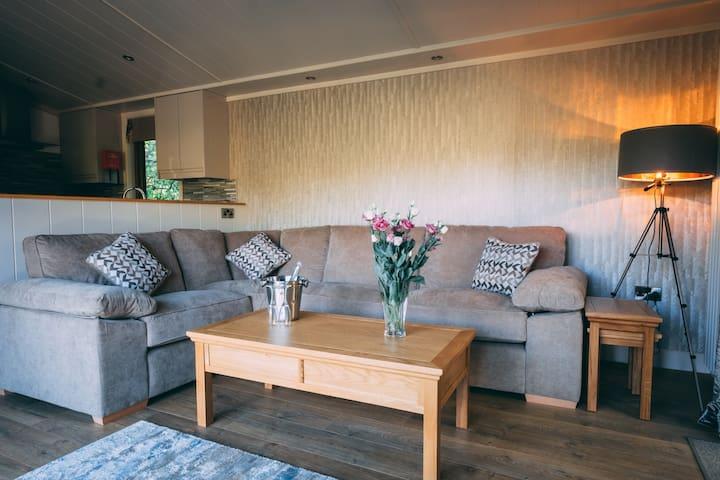 Lodge 33 At Herons & Quail Lake Retreat