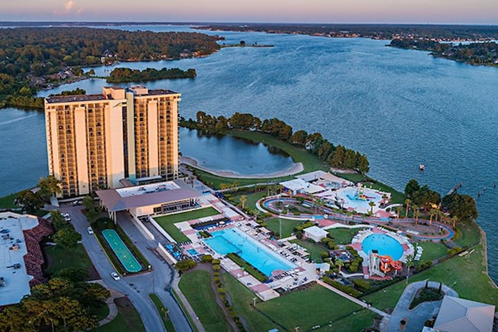 Lake Conroe/Wedding Venues/State Parks/Winery/Golf