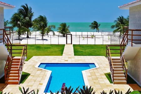 Manga Verde Beach 12: Pool and Ocean View