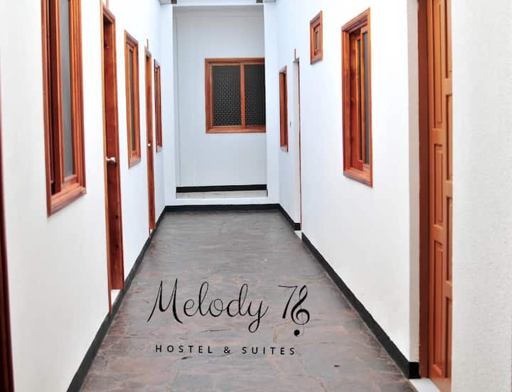 Melody 78 Hostel & Suites