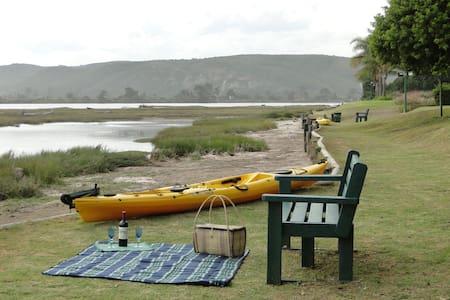 Relaxing S/C Getaway, Lagoon/beach Plett/Keurbooms