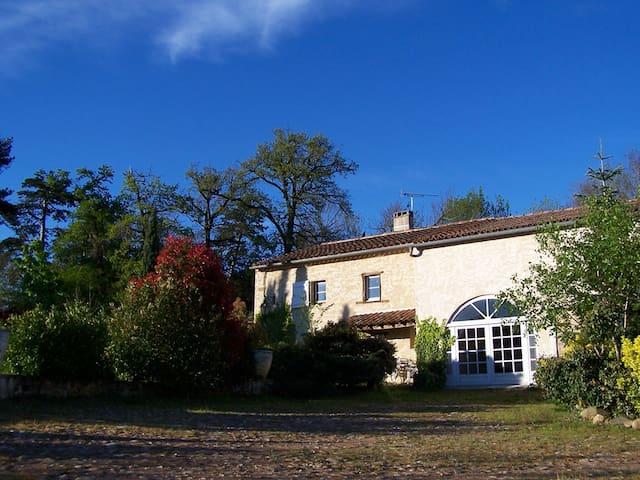 Ancienne ferme de charme dans le Lauragais - Vaudreuille - Huis