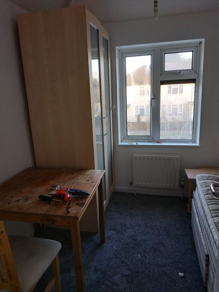 Furnished single room, newly painted