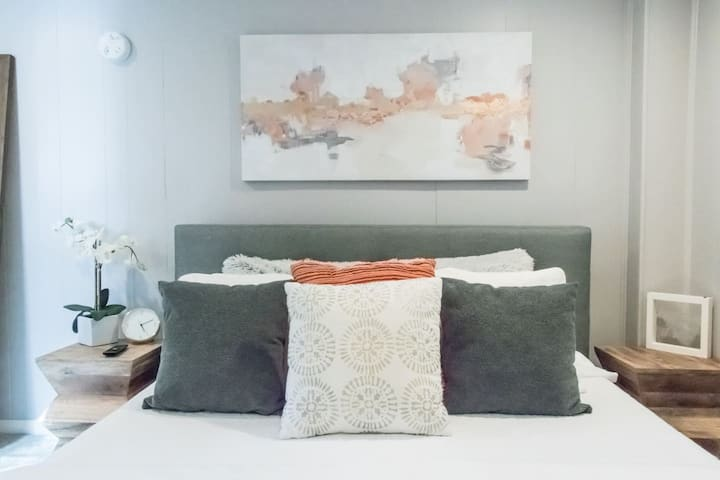 OBX Beach Apartment 1 Bedroom 1 Bath! Queen Bed!