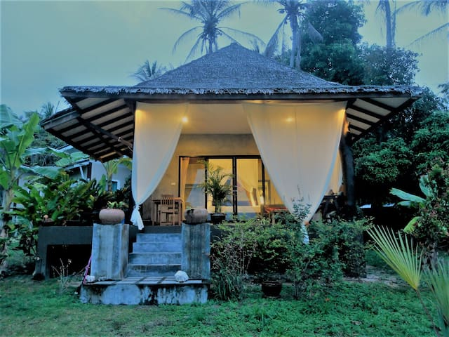 Charming Tropical Modern house, outdoor bathtube - Ko Pha Ngan - Huis