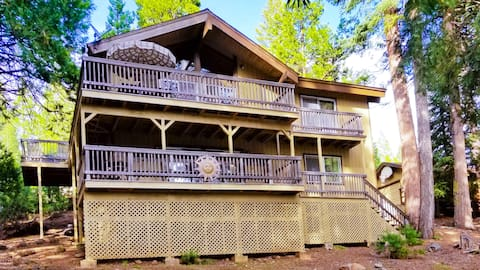 Lake Almanor Vacation Rental  A/C, WiFi, Boat Slip