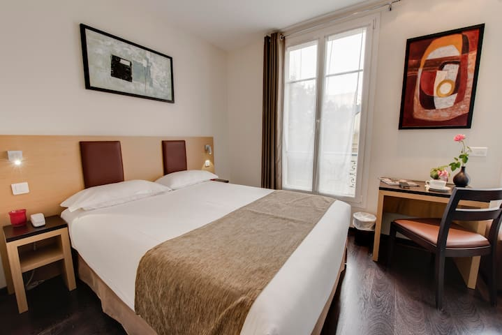 Source Hôtel Paris Montmartre