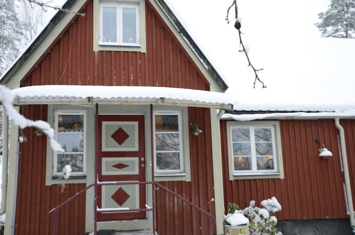 Genuine Swedish country house close to town