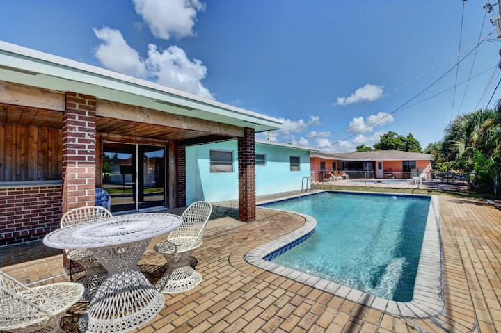 Delray Pool House