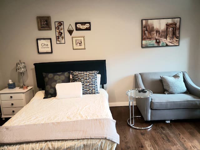 **NEW** Modern Guest Suite in the Heart of NoDa