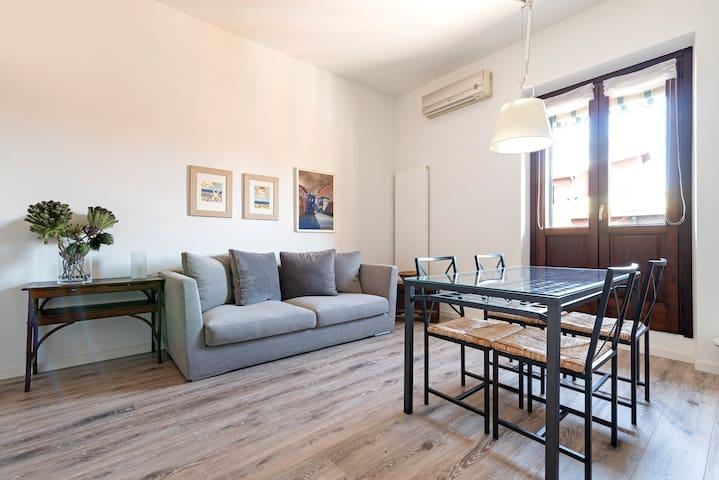 2 Bedroom Apt ☀ Bright + Spacious in Pta Venezia