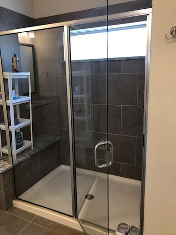 A comfortable/heaven-like room near DFW airport