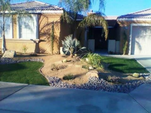 AWESOME ATTACHED CASITA !!! - Indio - Hus