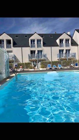 Complet«Plage-piscine-parking privé-terrasse»