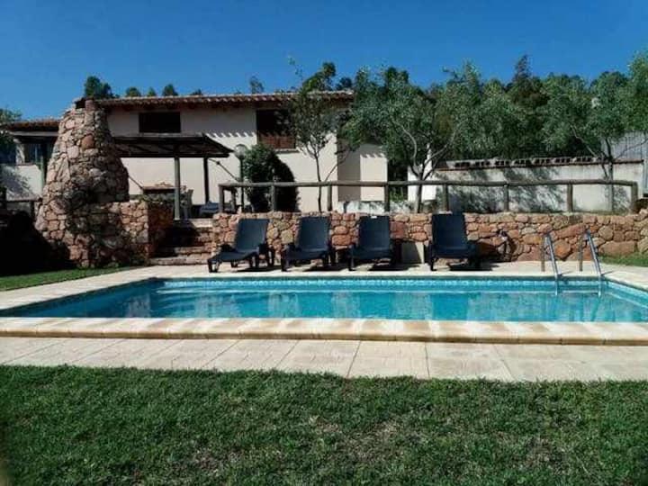 Villa con piscina uso esclusivo e WI-FI