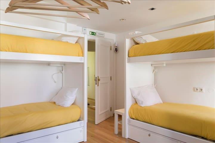Cama em Dormitório de 8 camas - Quarto 4