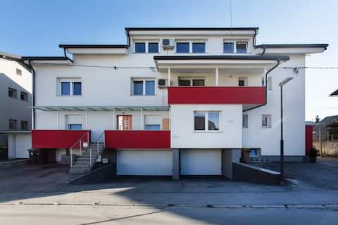 Amazing & extra Apt.No.2, very big size 165 m²