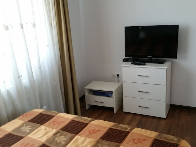 Lovely room in a new house - Florești - House