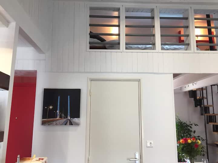 """""""BordeauX Centre et Calme,4*"""" : Loft + Parking"""