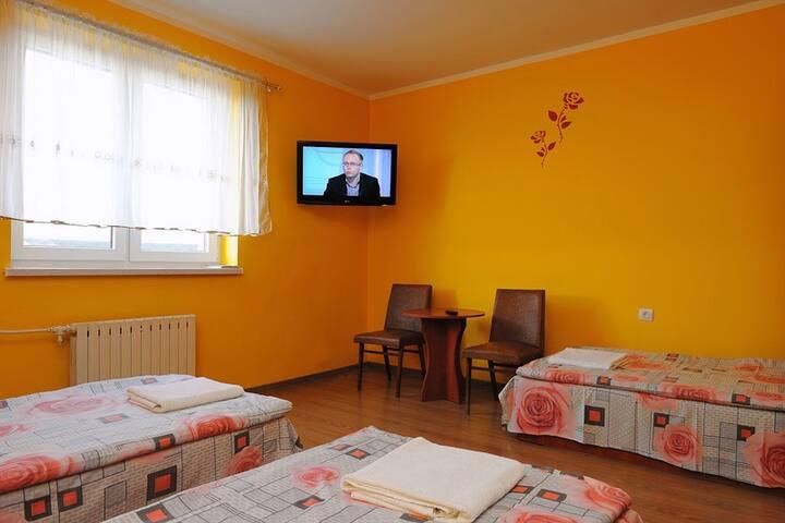 Kujawska Zagroda - doskonałe pokoje z łazienkami - Murzynno - Rumah