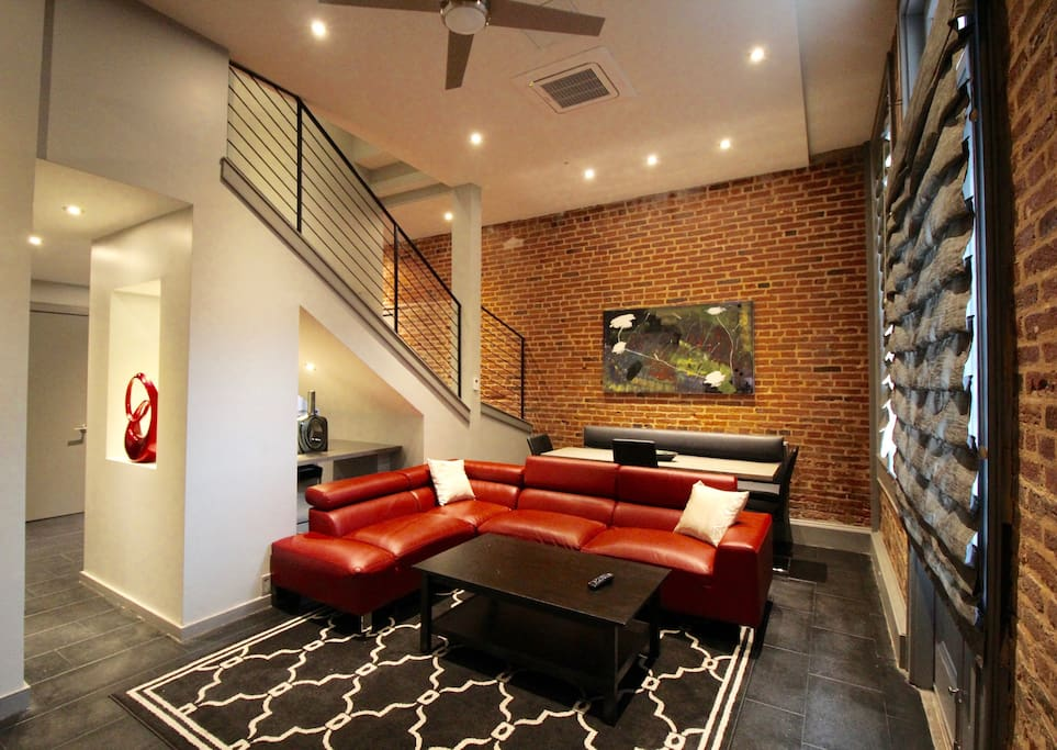 Luxury Pool Side 3 Bedroom 3 Bathroom Condo Serviced Apartments For Rent In New Orleans